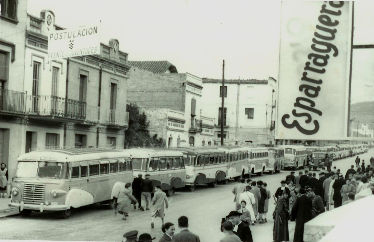 1955-00-Autocars davant Ateneu