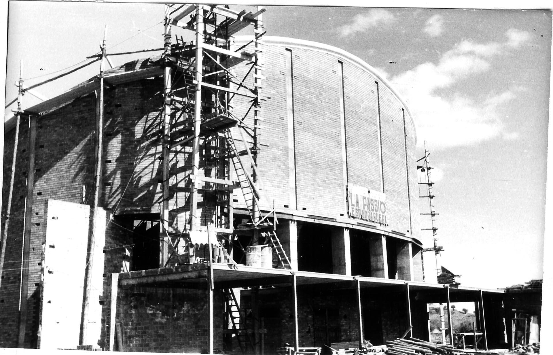 1968-00-Façana en construcció (1968)