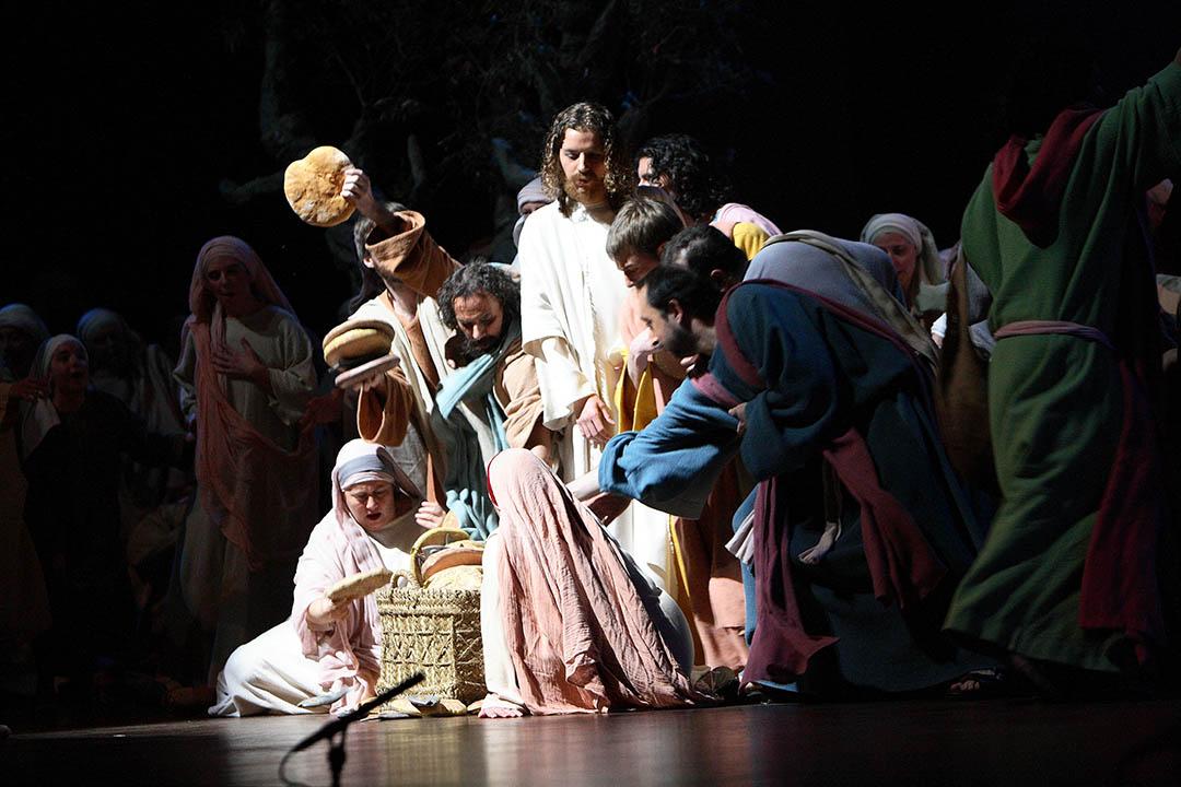 Escena Jesús Pans i Peixos 2008 2